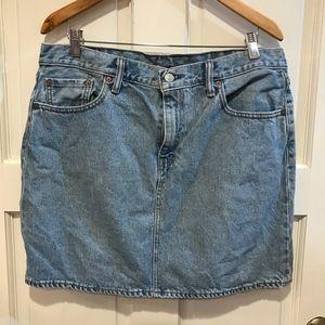 Vtg Levis Denim Mini Skirt Womens Size 32 Light